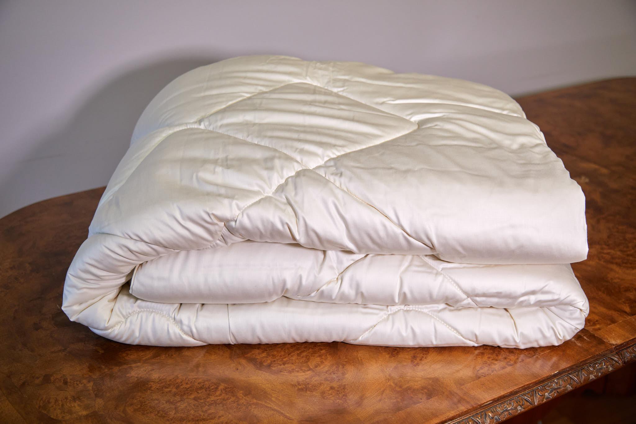 Austrian Bedding - silk duvet